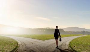 Có nên từ bỏ công việc ổn định để tìm hướng đi riêng